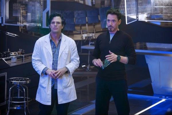 El poder destructivo de la ciencia es claramente ejemplificado por Bruce y Tony