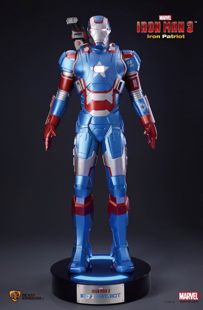 Estatua Iron Patriot escala real