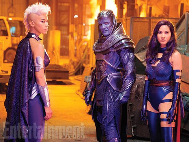 Ororo Munroe/Storm (Alexandra Shipp), En Sabah Nur/Apocalypse (Oscar Isaac), y Betsy Braddock/Psylocke (Olivia Munn)