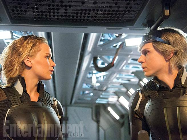 Raven/Mystique (Jennifer Lawrence) y Peter/Quicksilver (Evan Peters)