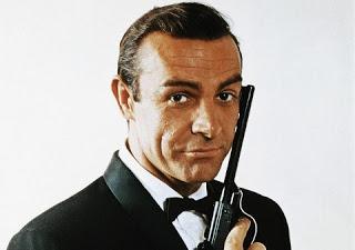 James Bond: ¿Héroe o asesino al servicio del sistema? Cuál es el atractivo de este agente secreto?